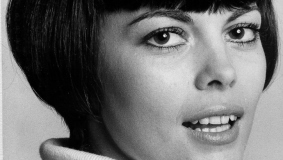 "Chanson singer Mireille Mathieu, a.k.a. the ""sparrow of Avignon,"" 1960"