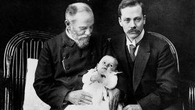 Three generations of a publishing family - Johannes Mohn (l.) with son Heinrich and grandson Hans-Heinrich