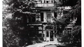 "The elegant ""Efeuhaus"" (Ivy House) on Eickhoffstrasse was home to the Heinrich Mohn family for many years"