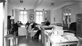 Office environment in the 1930s