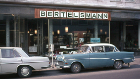 "After 1964, Lesering members can shop at ""Bücherstube"" bookstores as well"