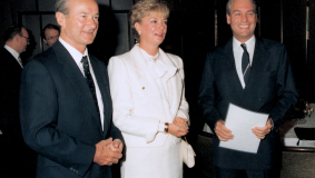 Reinhard Mohn with his wife Liz and Mark Wössner, 1985