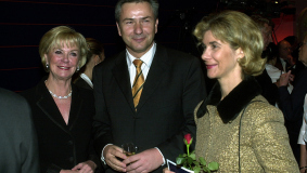 Liz Mohn, Klaus Wowereit and Brigitte Mohn (from l) at the opening ceremony for Bertelsmann's new premises, 2003